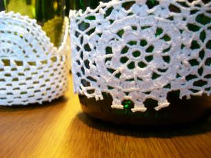 DIY: Kerzenständer oder Blumenvase mit Spitze