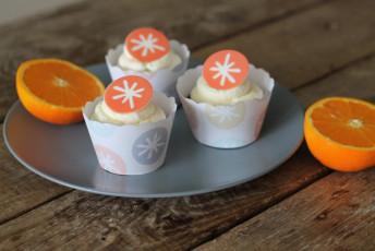 Schokoladen Cupcakes mit Orangen Mascarpone Topping und Kreativfieber Logo
