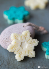 DIY Bath Melts in Schneeflockenform