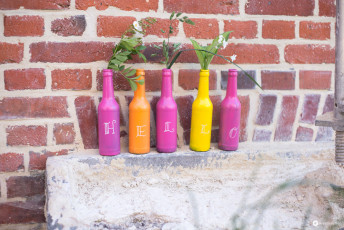 Flaschen Upcycling mit Tafellack #buntstattgrau