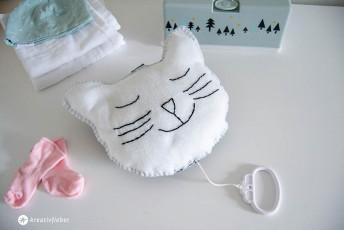 DIY Spieluhr Katze aus Filz