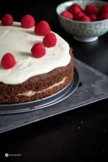 Schokomousse Torte mit dunkler und heller Schokolade