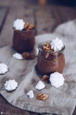 Schokoladenmousse mit karamellisierten Walnüssen