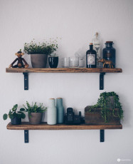 DIY Regal aus alten Holzdielen