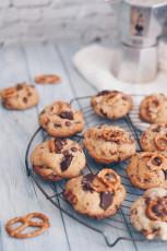 Chocolate Chip Cookies mit Brezeln und neue Fotohintergründe