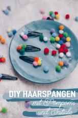 Mini DIY – Pompom Haarspange mit Initiale