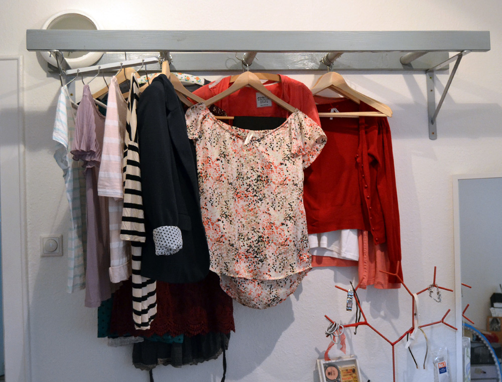 Diy leiter als garderobe selbermachen for Garderobe diy