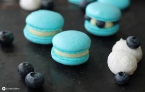 Blaubeer Macarons mit weisser Schokolade Rezept