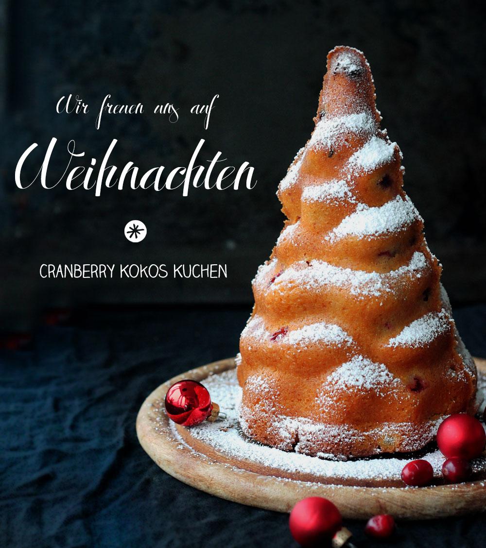Cranberry-Kokos-Kuchen-in-Weihnachtsbaumform