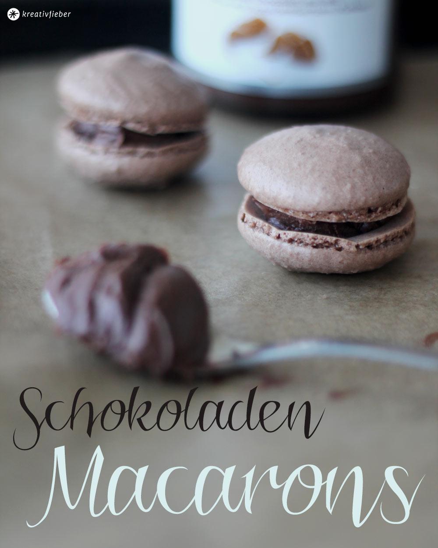 Schokoladen Macarons mit Schokoladencreme oder Nutella