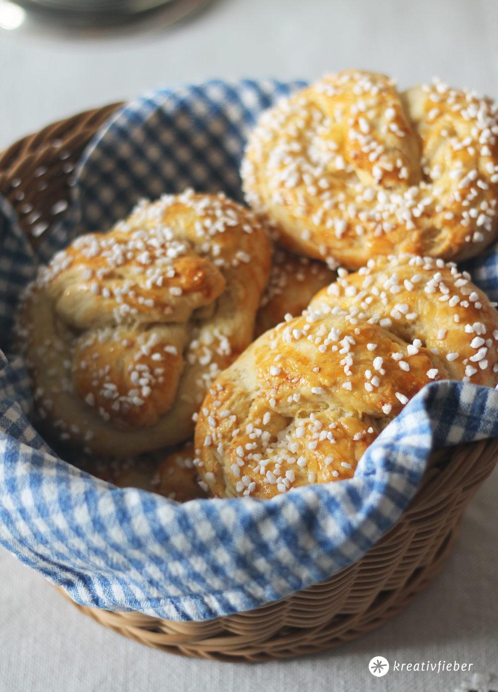 Butterbrezel-Sonntagsfruestueck