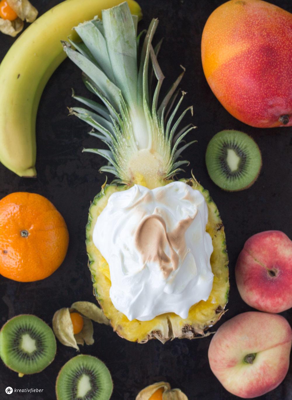 Ananas-Eisbombe-mit-Baiser