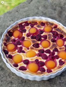 Aprikosen-Himbeer-Tarte-mit-Mascapone-und-Frischkäse