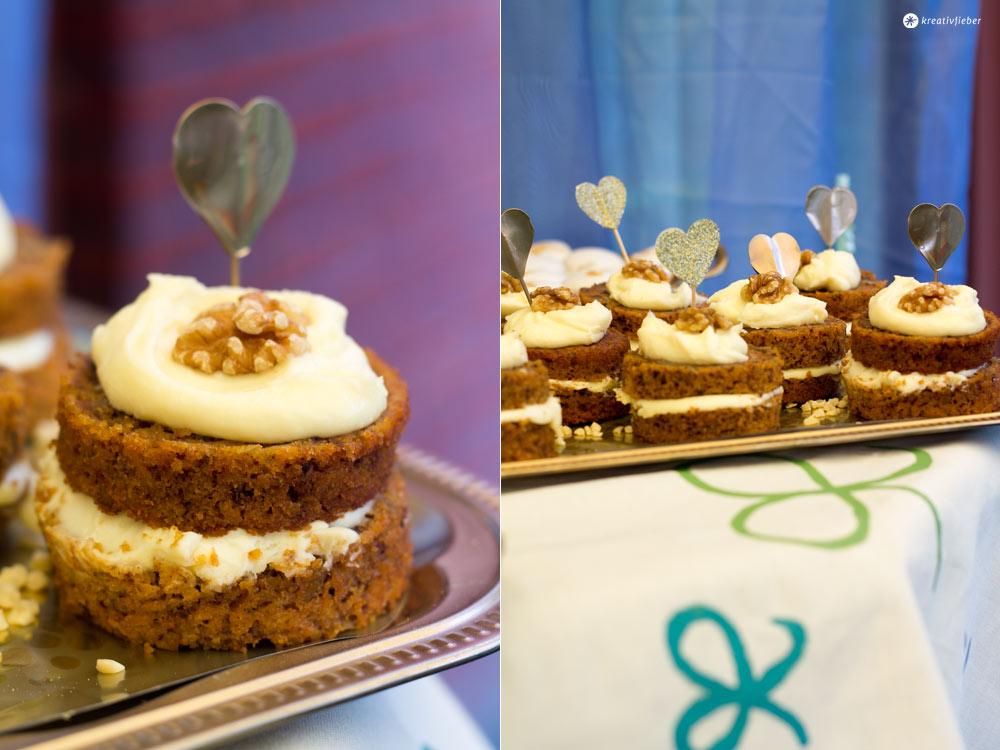 Carrot-Cake-Mini-Törtchen-mit-Mascarponeschokoladentopping-Hochzeit-Sweet-Table
