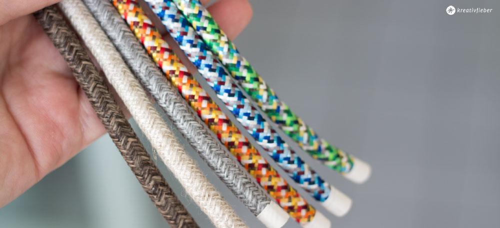 Buchstabenleuchte---Auswahl-Textilkabel-Canvas-und-Pixel