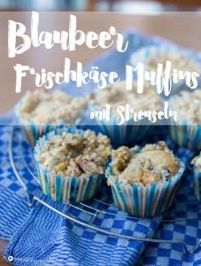 Blaubeer Frischkäse Muffins mit Pudding und Streuseln - schmeckt auch mit Himbeeren wunderbar