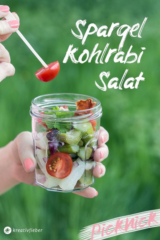 Picknickrezepte Spargel Kohlrabi Salat mit Schinken-Chips