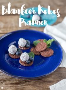 Blaubeer Kokos Pralinen - süße Party Fingerfood Rezeptidee mit Minze und Schokolade