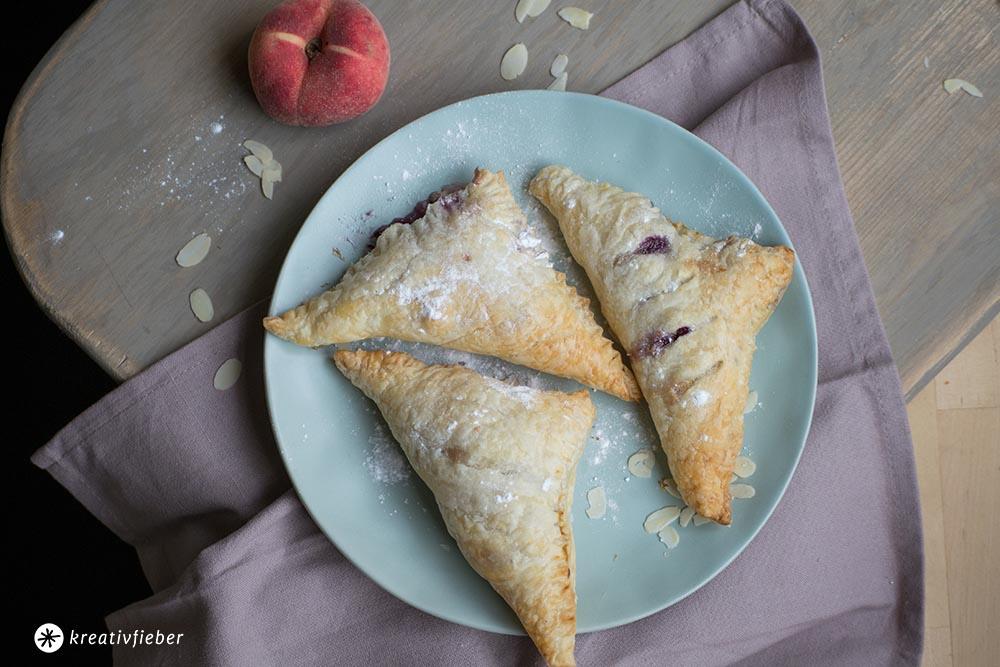 Vanille Pfirsich Blaubeer Taschen Rezept von Kreativfieber
