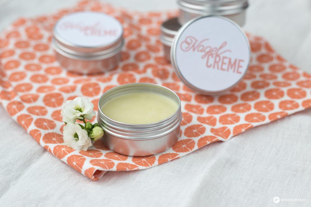DIY Nagelcreme selbermachen - DIY Kosmetik selbermachen - kleine Geschenkidee