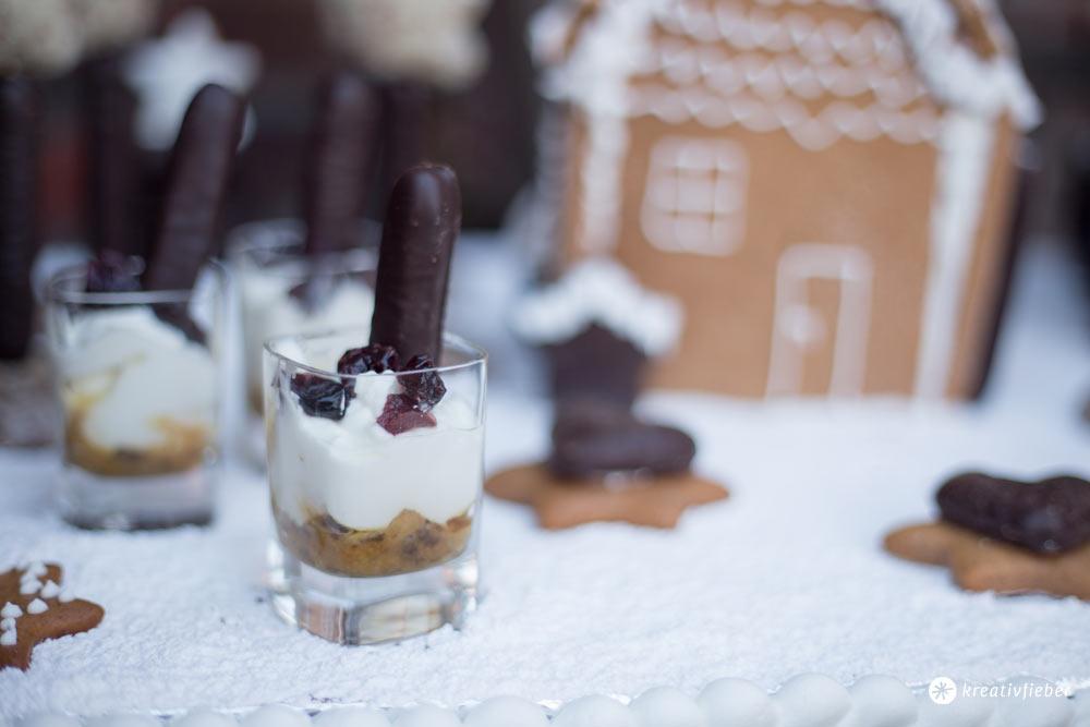 Lebkuchenhaus Dessertplatte für 15 Personen mit Lebkuchendesserts im Glas