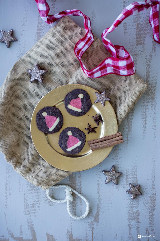Weihnachtsbäckerei DIY Weihnachtsmützen Kekse - Weihnachtskekse mit Muster backen - einfache Anleitung von Kreativfieber