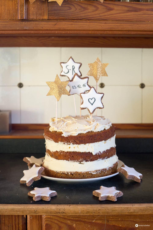 Winter Wedding Cake - Carrot Cake mit Zimtsternen und Frischkäsecreme