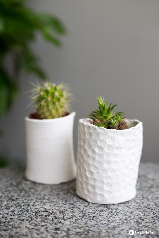 DIY mini Vasen für Sukkulenten selbermachen - DIY Deko - Schritt für Schritt Anleitung auf Kreativfieber