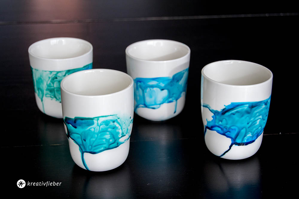 DIY Tassen bemalen mit Wasserfarbeffekt Aquarell
