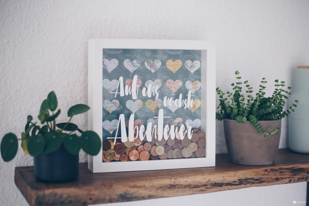 DIY Geldgeschenk zur Hochzeit - Geld für die Hochzeitsreise kreativ verpacken im Ribba Rahmen IKEA - DIY IKEA Hack - DIY Spardose