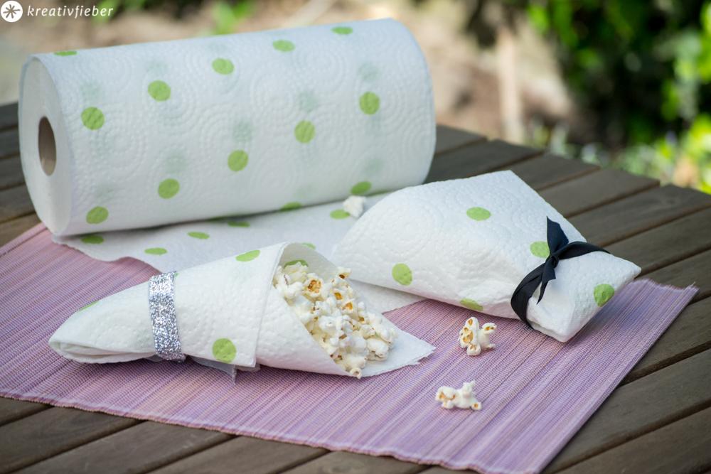 Popcorntüte falten aus Küchenpapier