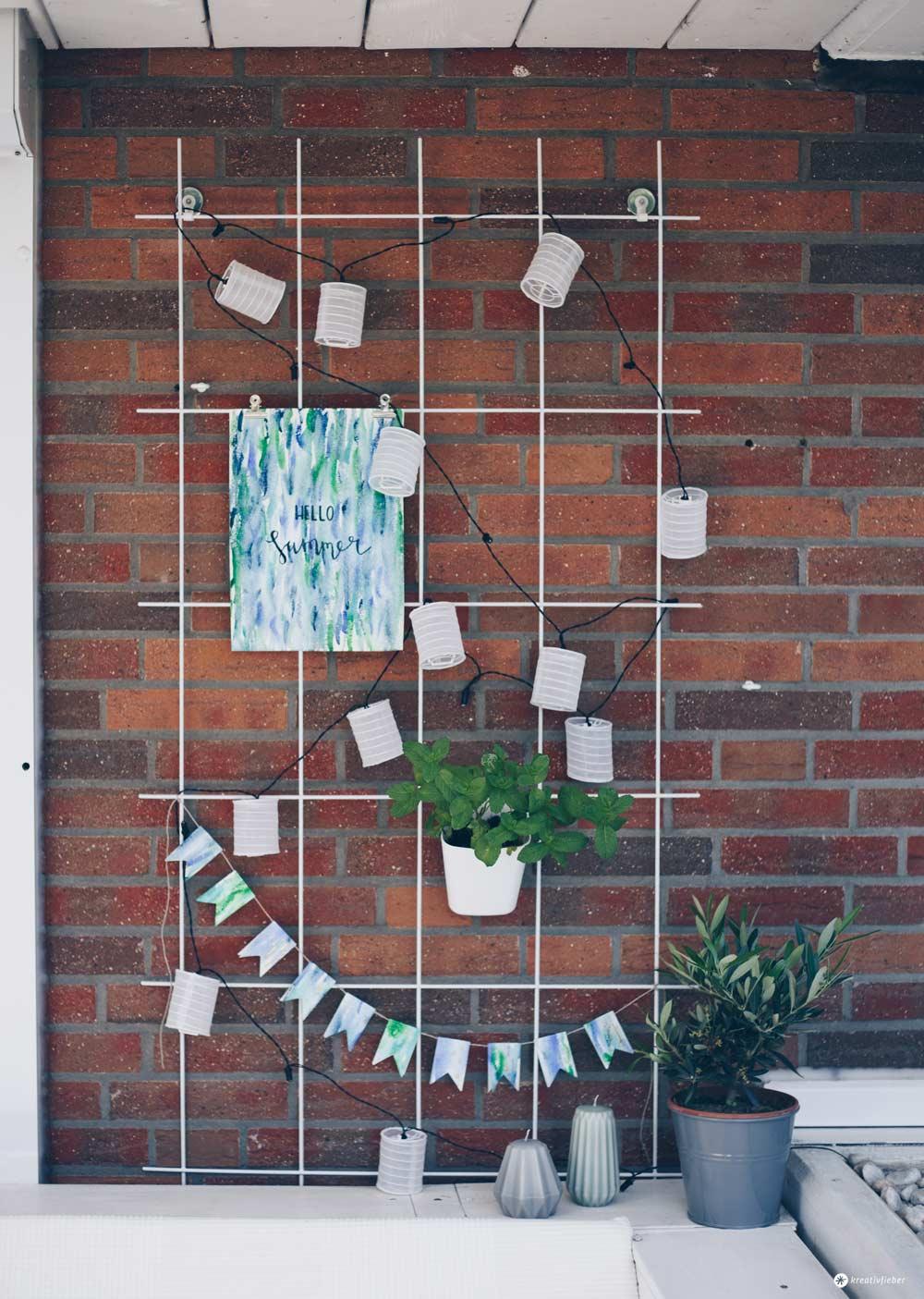 DIY Pflanzengitter Dekoboard für den Garten - So kann man Papier wasserabweisend machen - Gartendeko DIY