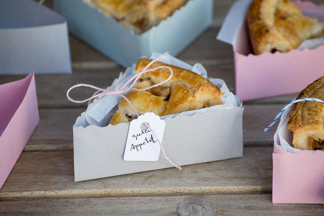 DIY Picknick Faltbox für Kuchenstücke