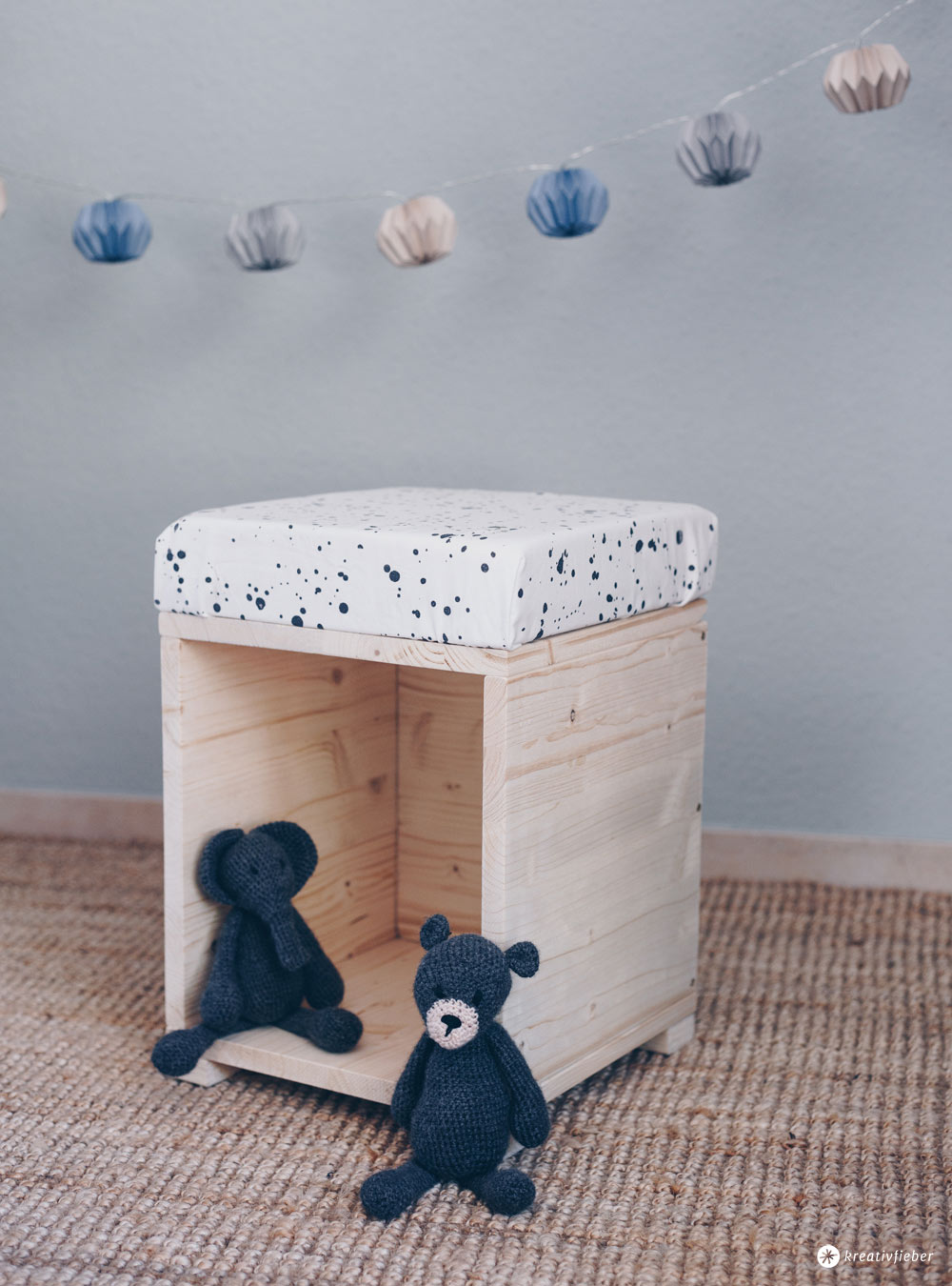 diy hocker f rs kinderzimmer zum spielen m bel selberbauen diy idee. Black Bedroom Furniture Sets. Home Design Ideas
