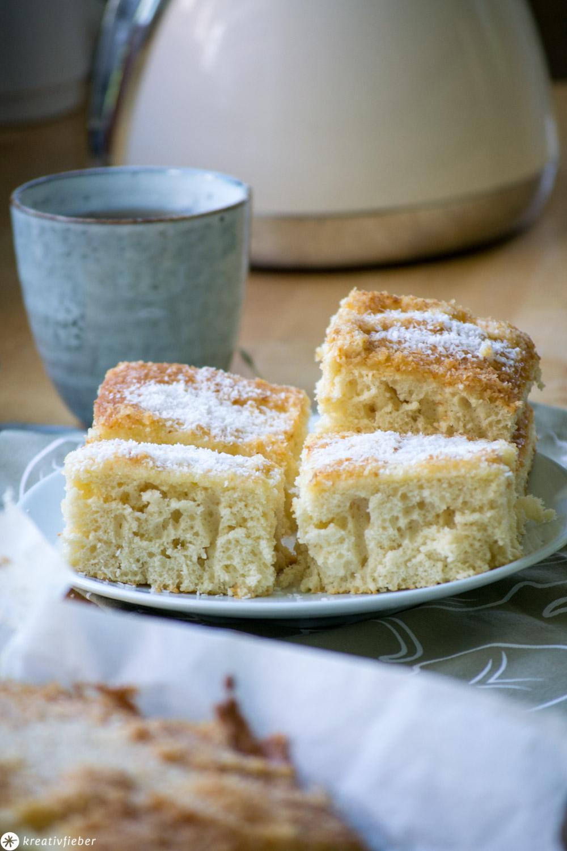 Buttermilchkuchen mit Kokosstreuseln