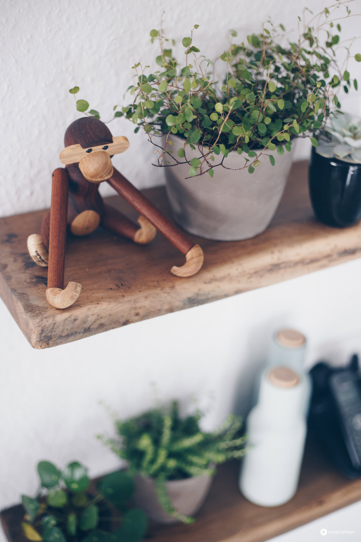 DIY Regal aus alten Holzdielen - altes Holz bearbeiten - Möbel selberbauen - Interior DIY Idee selbermachen - Urban Jungle Industrial Style