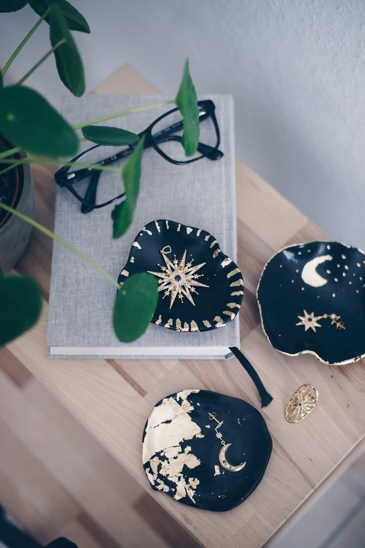 Diy Schmuckschälchen Mit Blattgold Mond Und Sterne Look