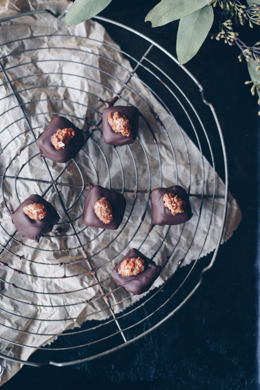 Geschenke Aus Der Küche Selber Machen Rezepte | Diy Geschenke Aus Der Kuche Nougatpralinen Mit Gebrannten Mandeln