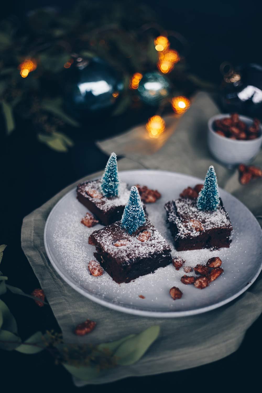 zimtige Brownies mit gebrannten Mandeln selbermachen - weihnachtliche Rezepte