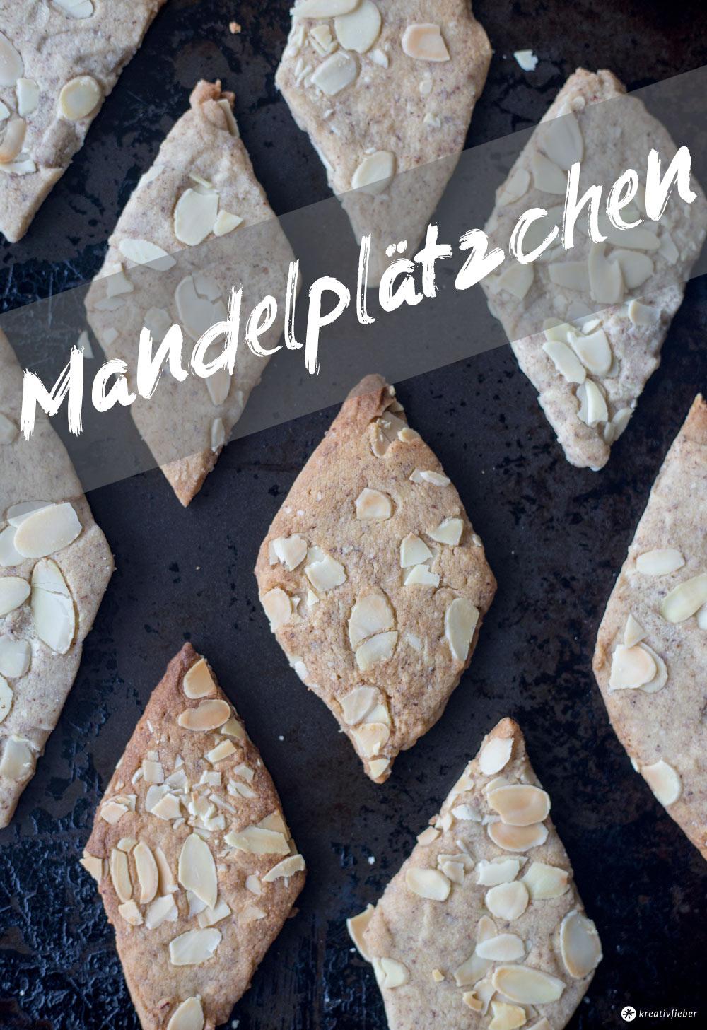 Mandelplätzchen backen - Weihnachtsbäckerei - einfaches Plätzchenrezept mit Mandeln