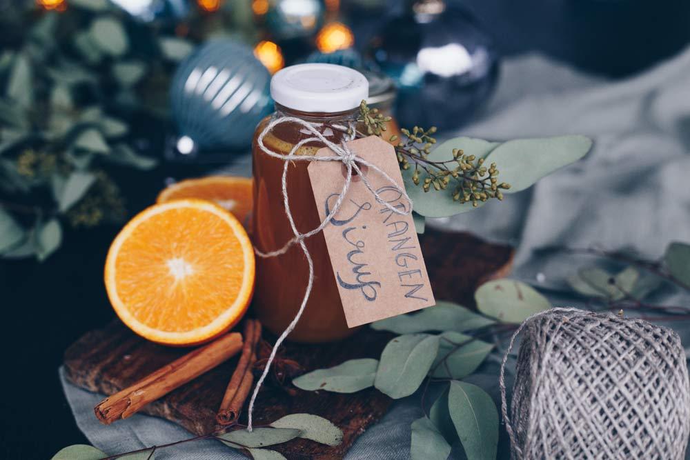 weihnachtlichen Orangensirup selbermachen - DIY Geschenke aus der Küche selbermachen - Mitbringsel zu Weihnachten