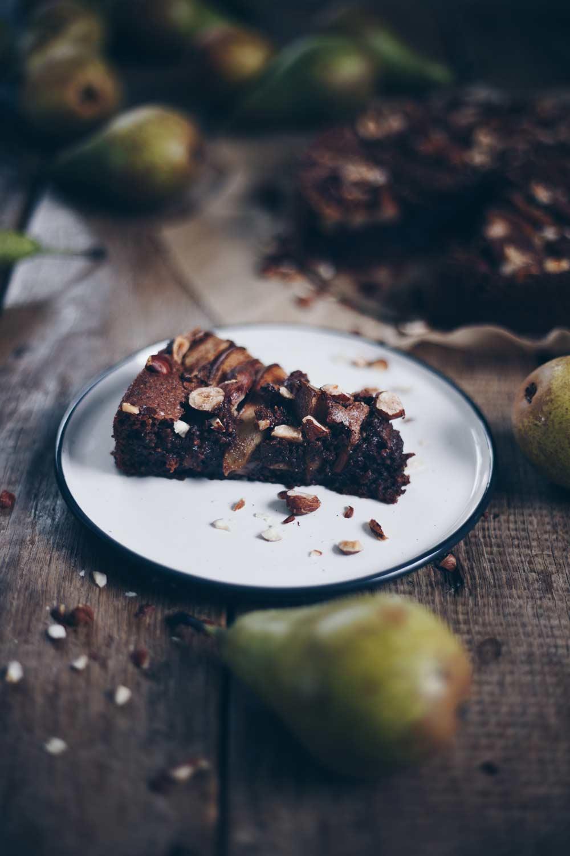 Glutenfreier Schokonusskuchen mit Birnen - Rezepte mit Birnen