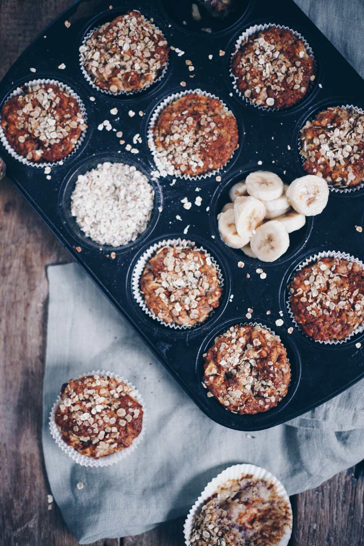 Vegane Apfel-Bananen-Muffins mit Haferflocken - Backen für Kleinkinder