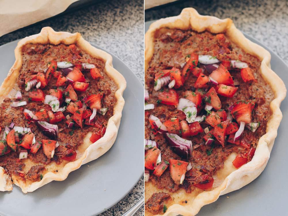 Türkische Pizza selbermachen - einfaches Rezept für Teigschiffchen mit Hackpaste