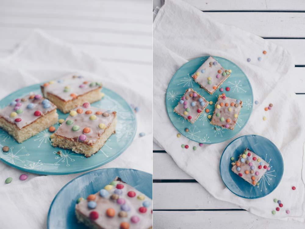 Konfettikuchen backen - einfacher Fantakuchen mit Smarties - schnelle Blechkuchen Rezepte