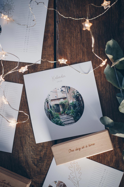 Geschenkidee zu Weihnachten - Tischkalender gestalten - 5 Tipps für Mottos mit Verlosung