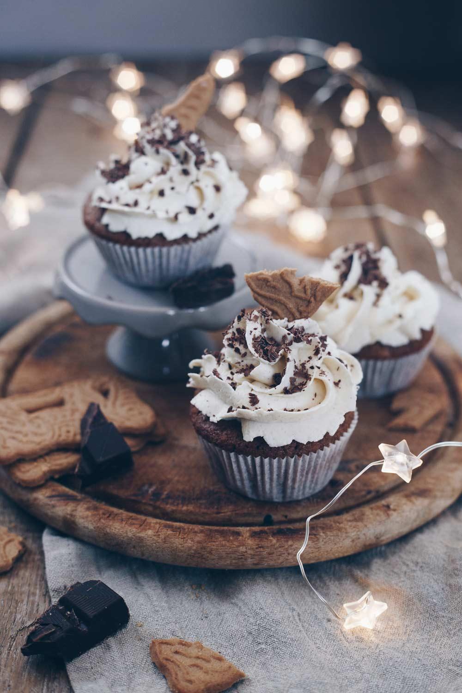 Spekulatius Cupcakes mit Zimtcreme backen - weihnachtliches Rezept