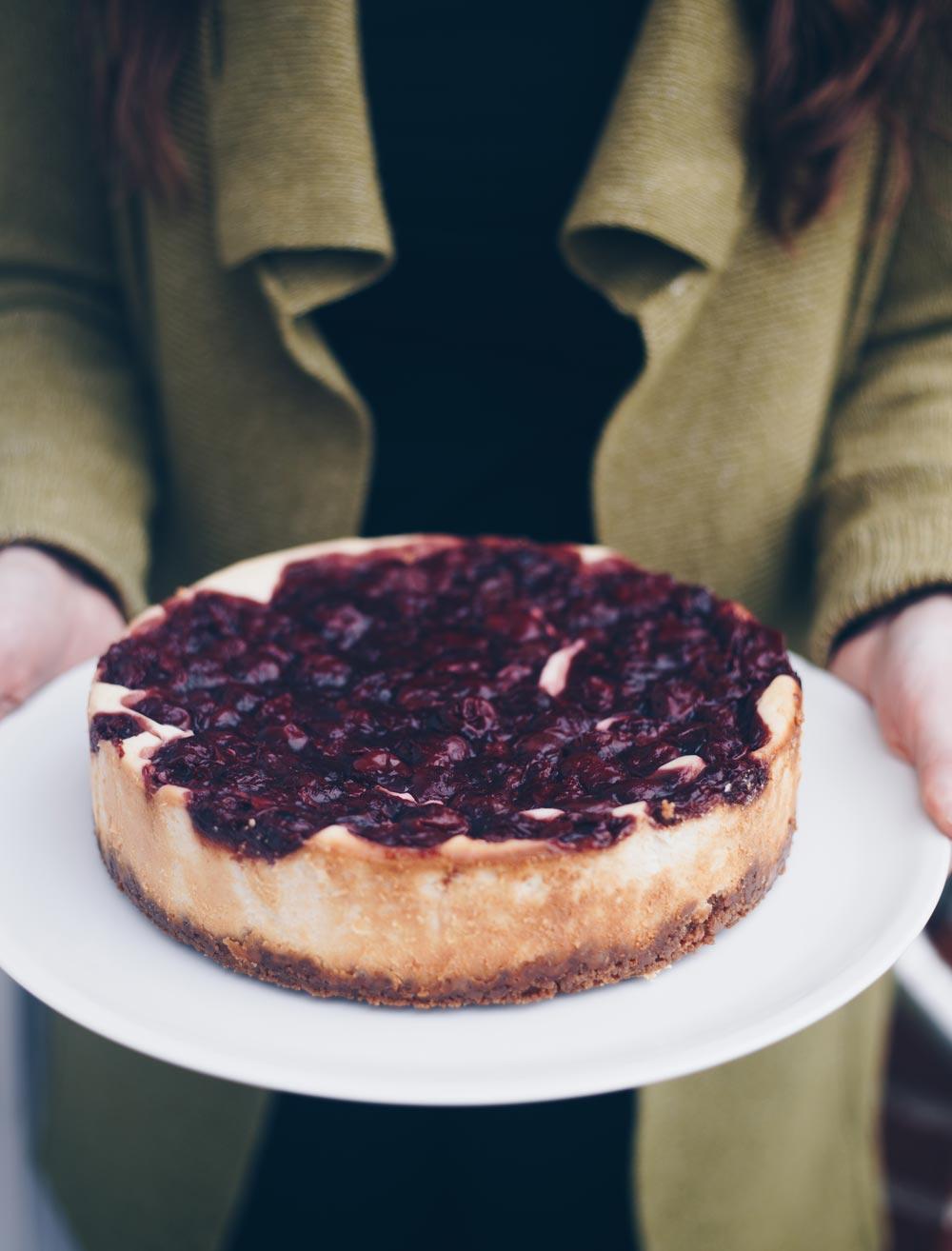 Cheesecake mit Gewürzkirschen backen - Winterrezepte
