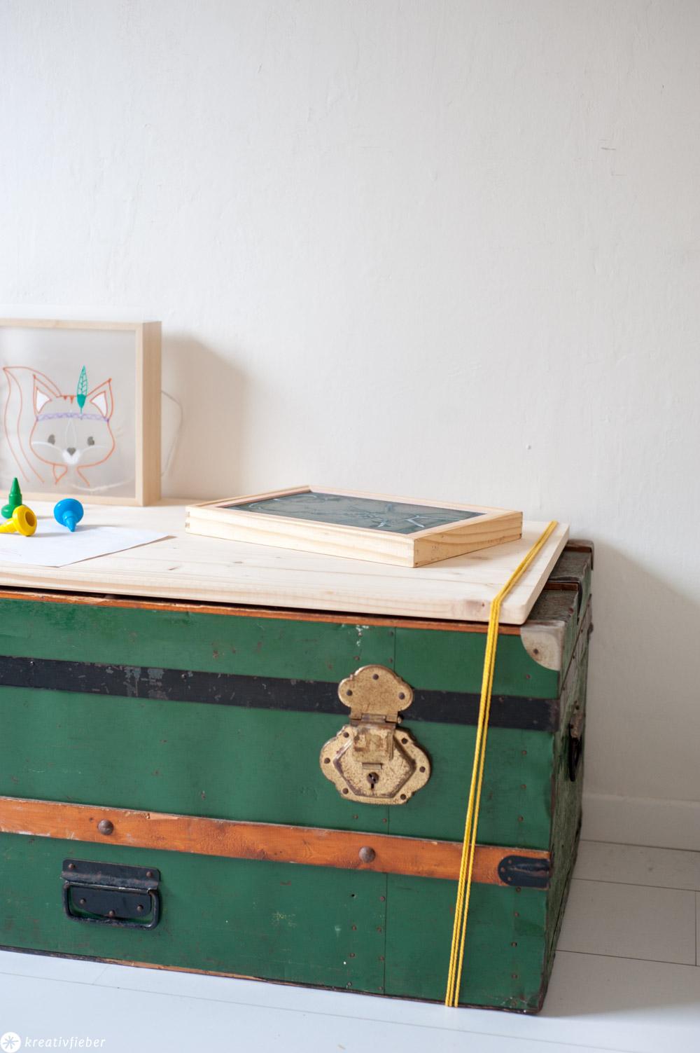 Upcycling Koffer zum Tisch für Kinder
