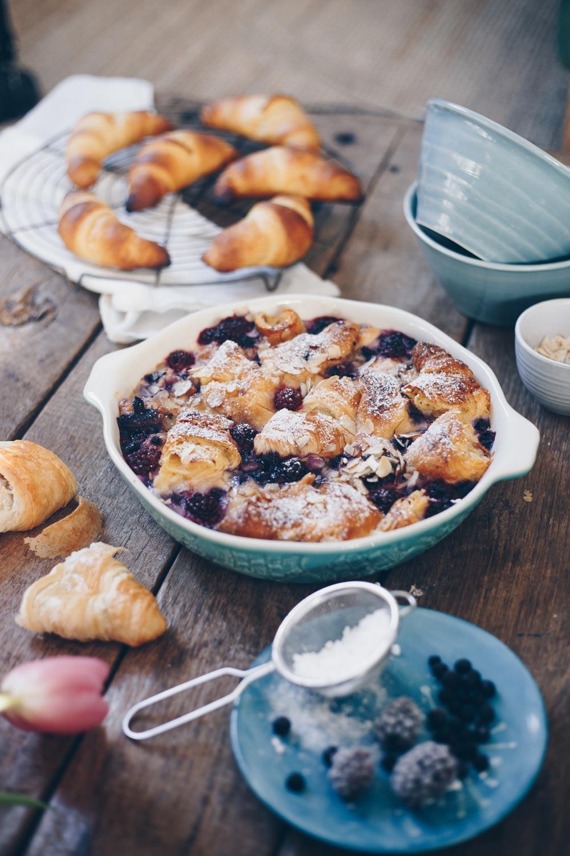 Croissant Auflauf mit Beeren selbermachen - Restverwertung trockene Croissants